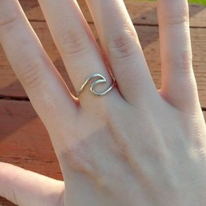Jewelry - Wave Ring